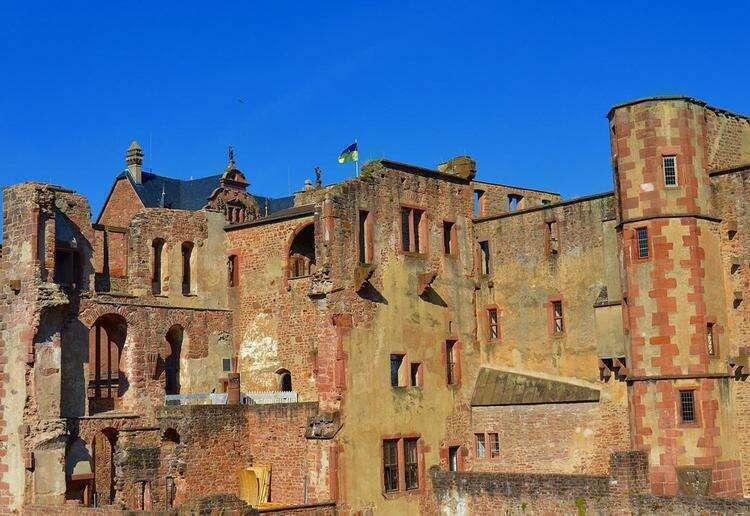 Фрагмент руин замка