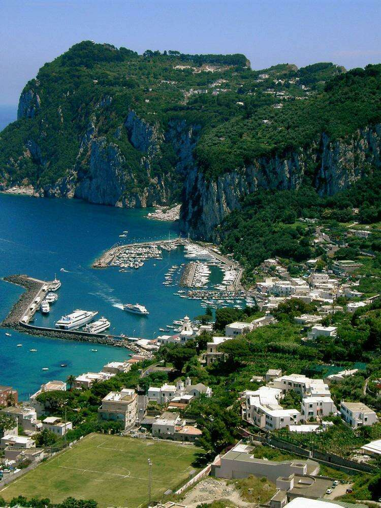 Вид с горы на Капри